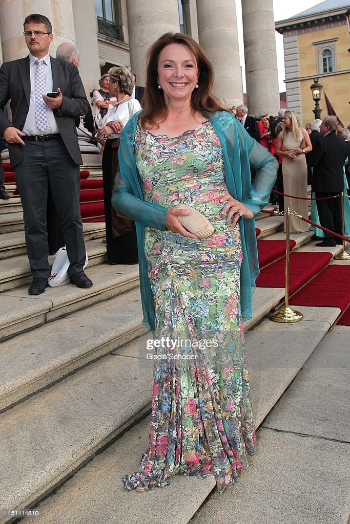 Uschi Daemmrich von Luttitz attends the 'Guillaume Tell' Opera Premiere at the Opera Festival Opening In Munich on June 28, 2014 in Munich, Germany.