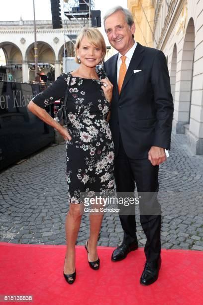 Uschi Glas and her husband Dieter Hermann at the MercedesBenz reception at 'Klassik am Odeonsplatz' on July 15 2017 in Munich Germany
