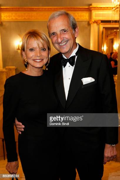 Uschi Glas and her husband Dieter Hermann during the traditional Buehnendinner 2017 at Bayerische Staatsoper on September 21 2017 in Munich Germany