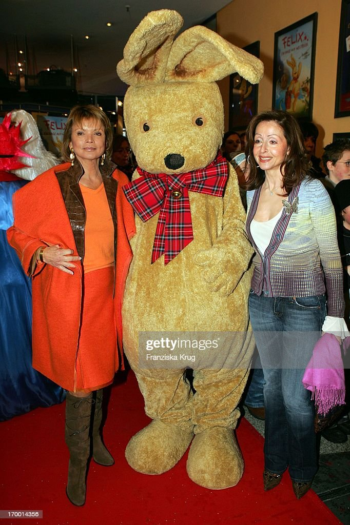 Uschi Glas And Vicky Leandros At The Premiere Of Children Cinema movie 'Felix A hare on world tour' The Maxx In Munich On 290105