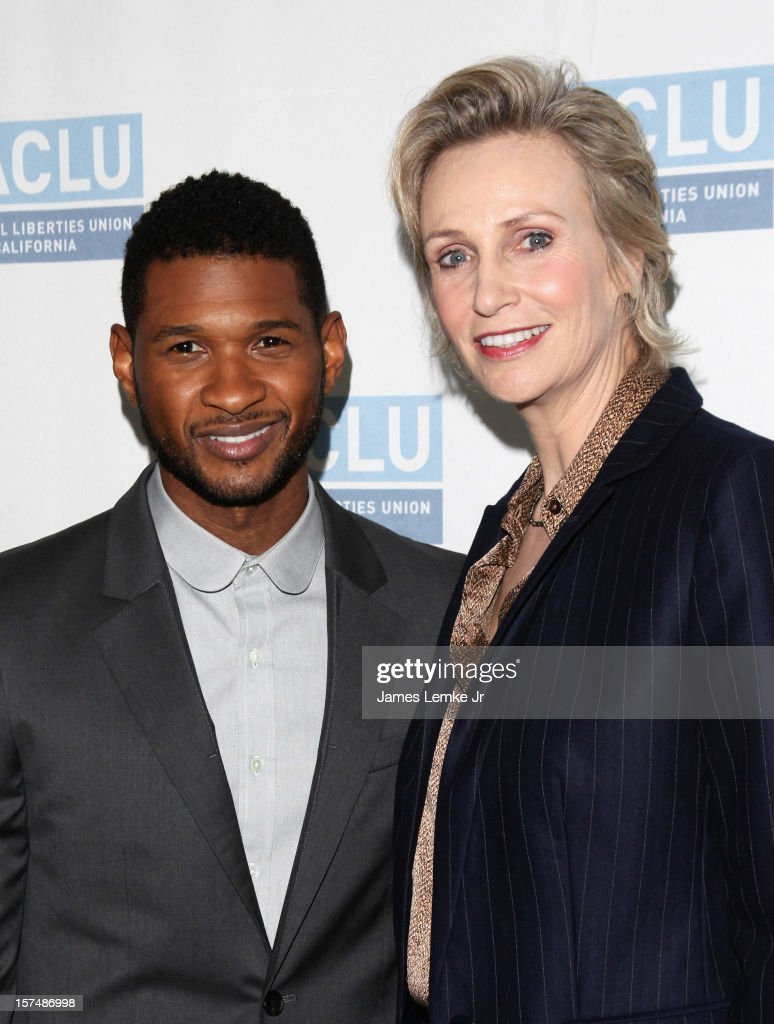 Usher and <a gi-track='captionPersonalityLinkClicked' href=/galleries/search?phrase=Jane+Lynch&family=editorial&specificpeople=663918 ng-click='$event.stopPropagation()'>Jane Lynch</a> attend the ACLU of Southern California's 2012 Bill of Rights Dinner held at the Beverly Wilshire Four Seasons Hotel on December 3, 2012 in Beverly Hills, California.