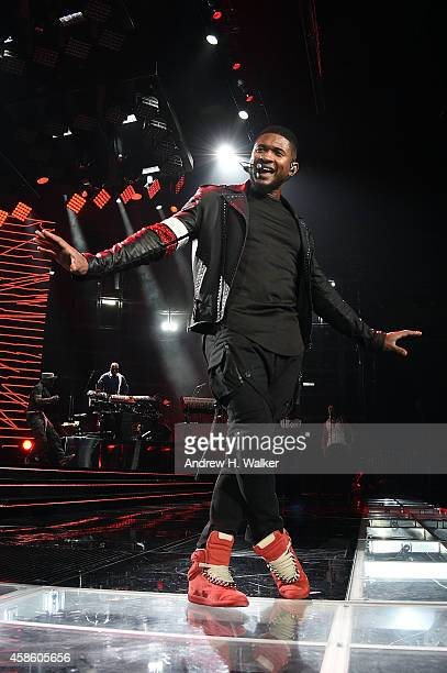Usher performs at Madison Square Garden on November 7 2014 in New York City