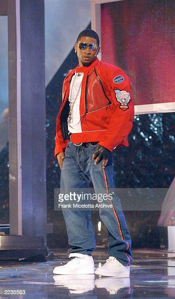 Usher performs with P Diddy at the 2002 MTV Video Music Awards at Radio City Music Hall in New York City August 29 2002 Photo by Frank...
