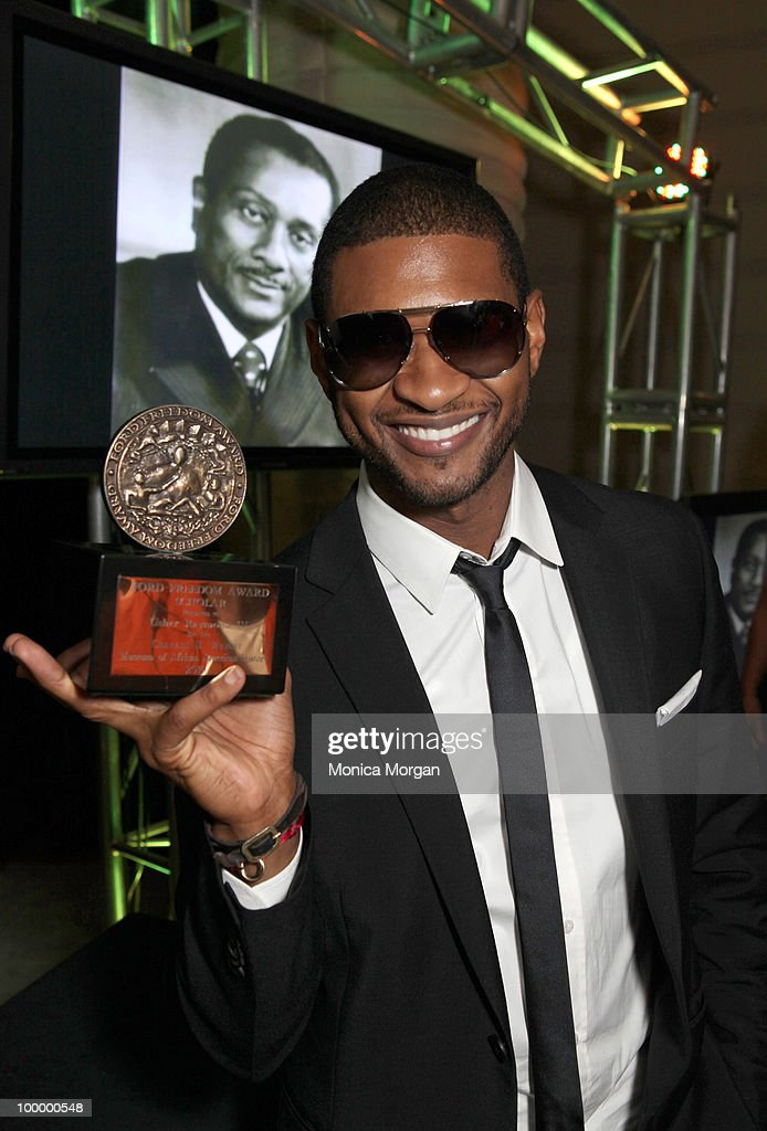 Usher Raymond IV attends the 12th Annual Ford Freedom Awards Scholars Lecture at the Charles H. Wright Museum of African American History on May 6, 2010 in Detroit, Michigan.