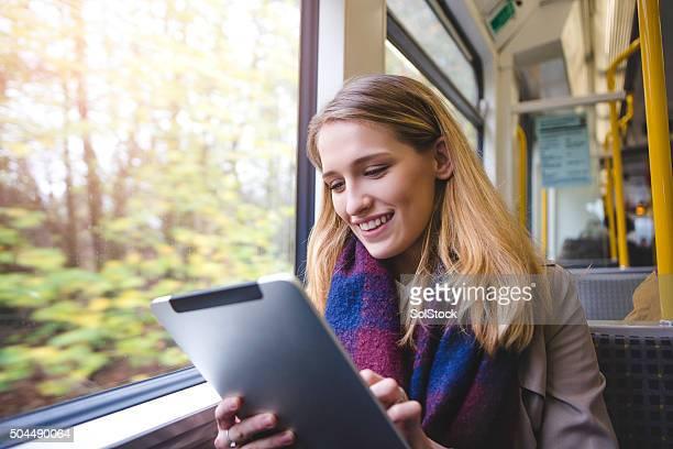 Usando Tablet Digital no comboio