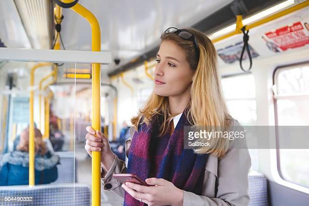 Utilizzando uno Smartphone nel suo modo di lavoro