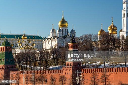 Uspenski e Blagoveschensky cattedrali del Cremlino di Mosca. Russia : Foto stock