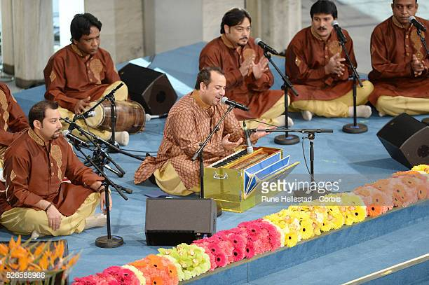 Ustad Rahat Fateh Ali Khan performs at the Nobel Peace Prize ceremony at the City Hall in Osloi