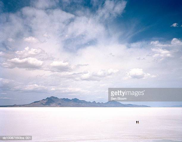 Utah, Bonneville Salt Flats, Two people in salt flats