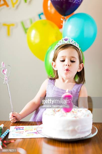 USA, Utah, Salt Lake City, Girl (4-5) at birthday party