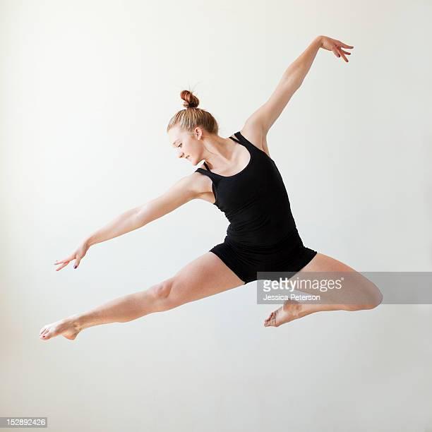 USA, Utah, Salt Lake, Teenage (16-17) gymnast exercising