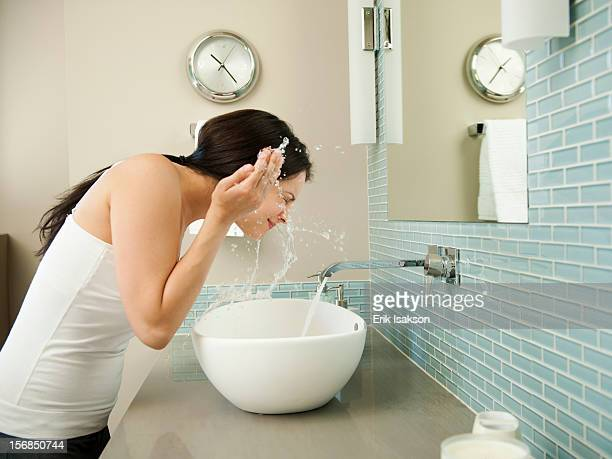 USA, Utah, St. George, Young attractive woman in her morning toilette
