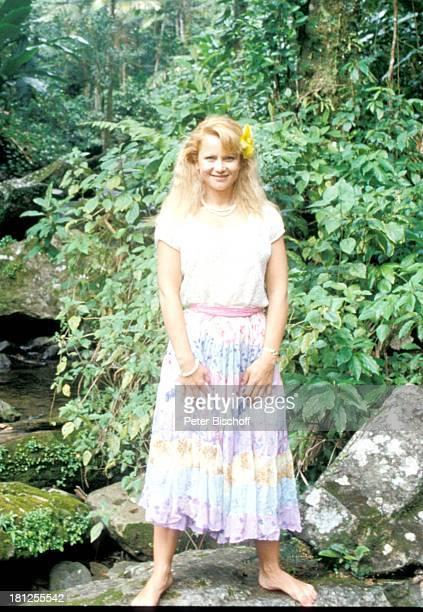 Ute Christensen ZDFSerie 'Traumschiff ' Puerto Rico/Karibik San Juan Ausflug Urlaub Palmen Blumen Nationalpark Regenwald Schauspielerin Schauspieler...