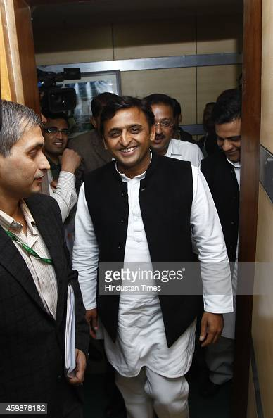 Uttar Pradesh Chief Minister Akhilesh Yadav arrives for a meeting with Minister of State for Power Coal and New and Renewable Energy Shri Piyush...