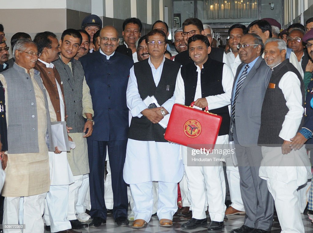 Uttar Pradesh Chief Minister Akhilesh Yadav posing for photographers before presenting his government's fifth budget in the UP assembly Assembly on February 12, 2016 in Lucknow, India. With an eye on 2017 Assembly elections, Uttar Pradesh Chief Minister Akhilesh Yadav today presented a Rs. 3,46,935-crore budget for 2016-17, reeling off a string of populist measures.