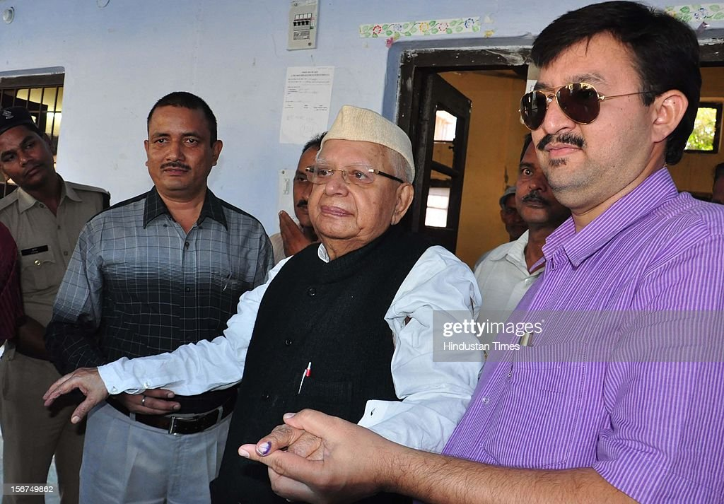 'DEHRADUN, INDIA - OCTOBER 10: Uttarakhand ex CM, ND Tiwari comes out of polling booth after sucessfully casting vote in Tehri by-poll, on October 10, 2012 in Dehradun, India. ( Photo by Kuldeep Rana/Hindustan Times via Getty Images)'