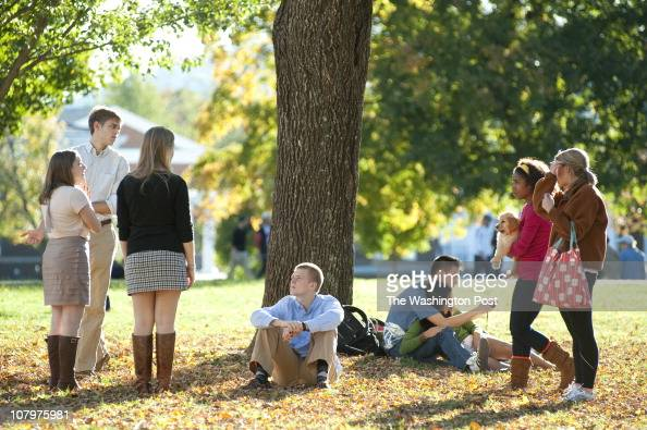 UVa students enjoy a fall afternoon on the 'Lawn' on the grounds of the University of Virginia in Charlottesville Va Stephanie Gross FTWP 4349622019