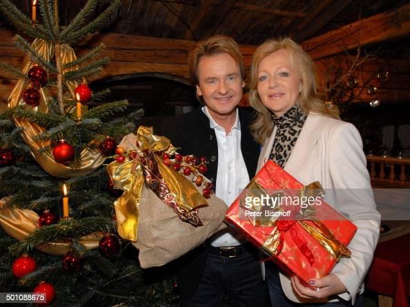 Uwe busse schlager urgestein ehefrau katherina zdf musik show 39 weihnachten mit marianne - Weihnachtsgeschenk ehemann ...