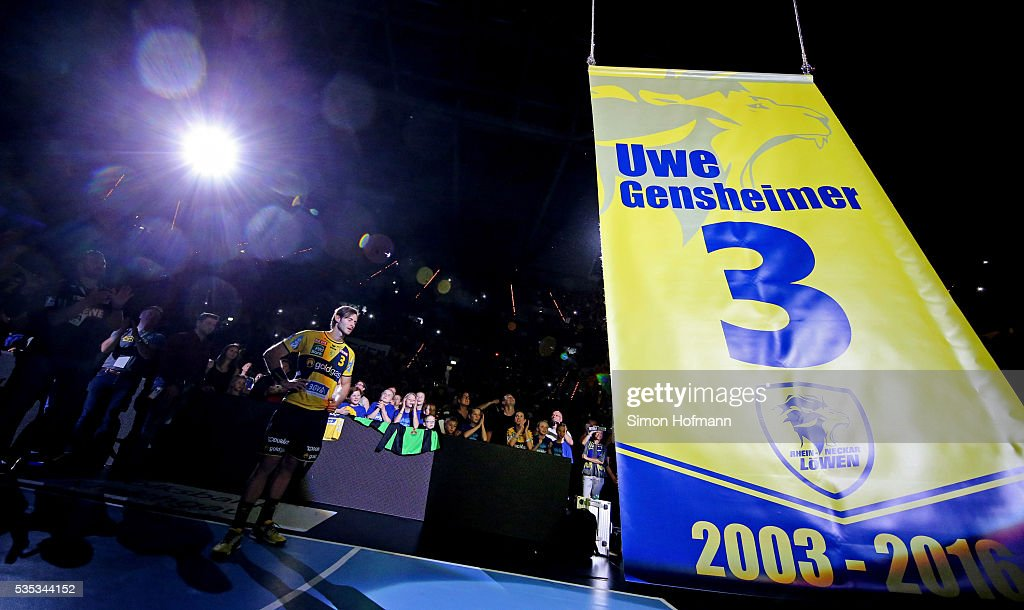 <a gi-track='captionPersonalityLinkClicked' href=/galleries/search?phrase=Uwe+Gensheimer&family=editorial&specificpeople=697757 ng-click='$event.stopPropagation()'>Uwe Gensheimer</a> of Rhein-Neckar Loewen reacts during his farewell after the DKB Handball Bundesliga match between Rhein-Neckar Loewen and TSV Hannover-Burgdorf at SAP Arena on May 29, 2016 in Mannheim, Germany.
