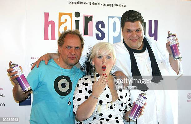 Uwe Ochsenknecht Maite Kelly and Tetje Mierendorf attend a press conference for the musical 'Hairspray' at the 'Musical Dome' on October 30 2009 in...