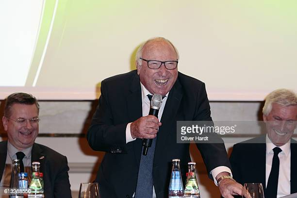 Uwe Seeer speaks during the DFB Friends Of The National Team meeting at the Hotel Vier Jahreszeiten on October 8 2016 in Hamburg Germany