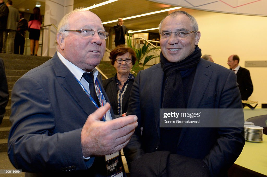<a gi-track='captionPersonalityLinkClicked' href=/galleries/search?phrase=Uwe+Seeler&family=editorial&specificpeople=240530 ng-click='$event.stopPropagation()'>Uwe Seeler</a> and <a gi-track='captionPersonalityLinkClicked' href=/galleries/search?phrase=Felix+Magath&family=editorial&specificpeople=206318 ng-click='$event.stopPropagation()'>Felix Magath</a> joke during a meeting of the 1982 World Cup teams of France and Germany on February 6, 2013 in Paris, France.