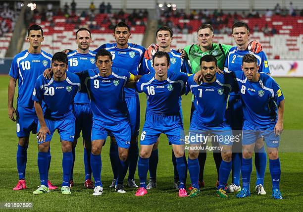 Uzbekistan footballers pose for team photo prior to the 2018 FIFA World Cup Round 2 Group H qualification match between Bahrain and Uzbekistan in...