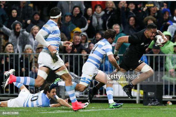 Vaea Fifita of New Zealand breaks away for a try during The Rugby Championship match between the New Zealand All Blacks and Argentina at Yarrow...