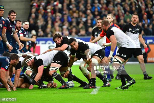 Vaea Fifita of New Zealand organises the pick and go during the test match between France and New Zealand at Stade de France on November 11 2017 in...