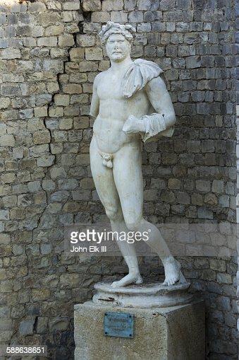 Vaison le Romaine, Laureled Apollo statue