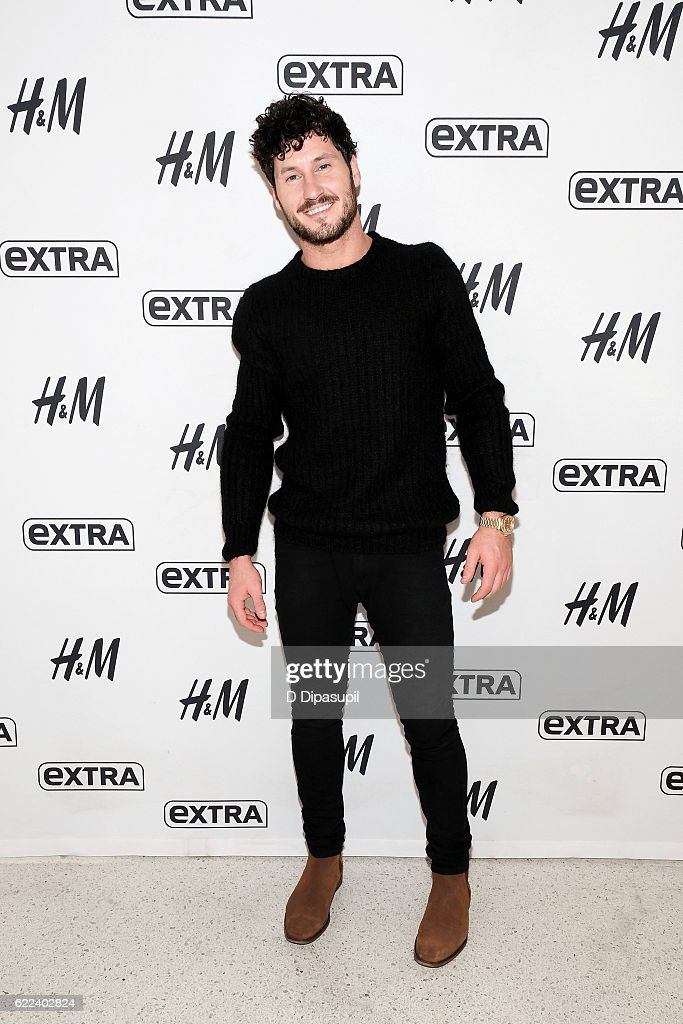 Val Chmerkovskiy visits 'Extra' at their New York studios at H&M in Times Square on November 11, 2016 in New York City.