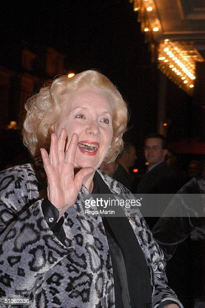 23/08/02 Val Jellay at the opening night party of 'The Witches Of Eastwick' At the Plaza Ballroom in Melbourne Victoria Australia
