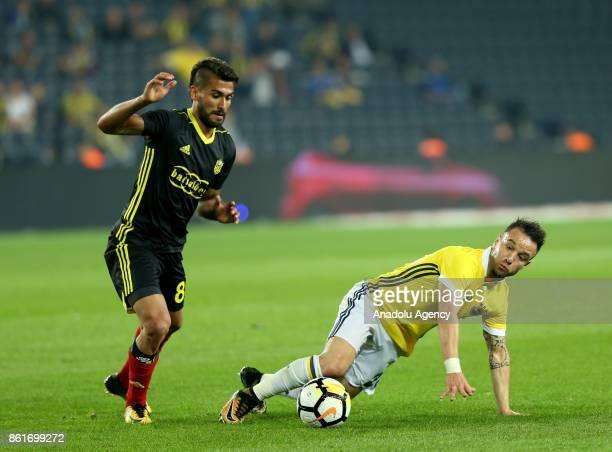 Valbuena of Fenerbahce in action during the Turkish Super Lig match between Fenerbahce and Evkur Yeni Malatyaspor at Sukru Saracoglu Stadium in...
