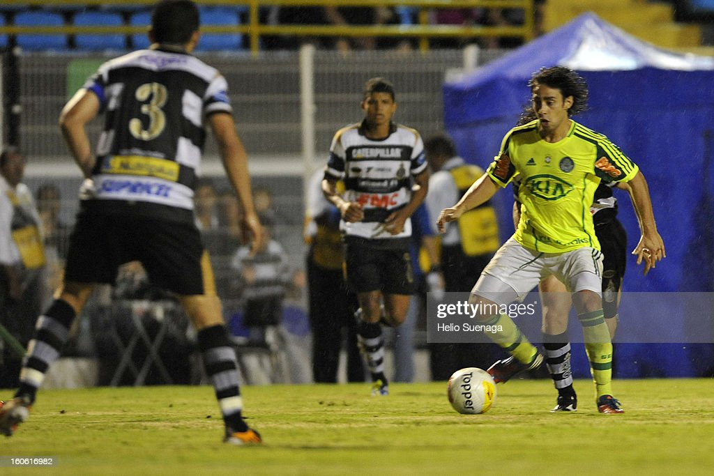 Valdivia of Palmeiras in action during the match between Palmeiras and XV de Piracicaba as part of Campeonato Paulista 2013 at Barão de Serra Negra Stadium on February 3, 2013 in Piracicaba, Brazil.