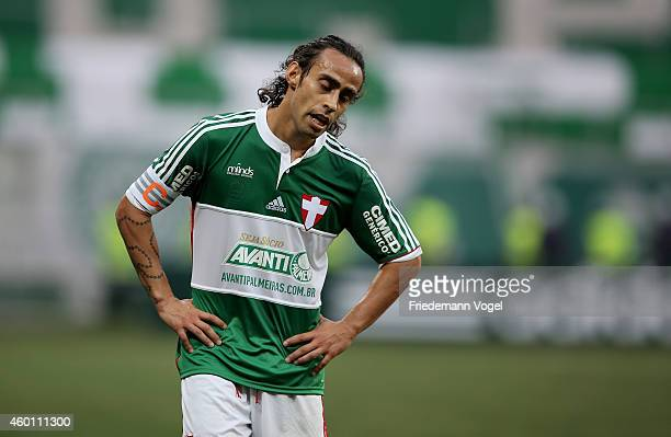 Valdivia of Palmeiras looks on during the match between Palmeiras and Atletico PR for the Brazilian Series A 2014 at Allianz Parque on December 7...