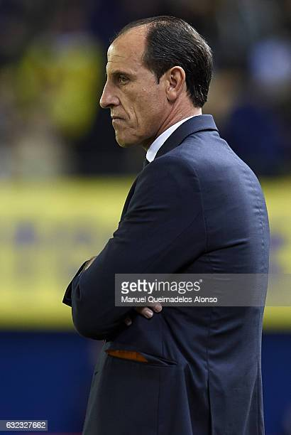 Valencia CF manager Salvador Gonzalez Voro looks on prior the La Liga match between Villarreal CF and Valencia CF at Estadio de la Ceramica on...