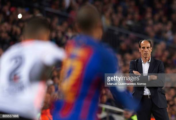 Valencia CF manager Voro Gonzalez looks on during the La Liga match between FC Barcelona and Valencia CF at Camp Nou Stadium on March 19 2017 in...