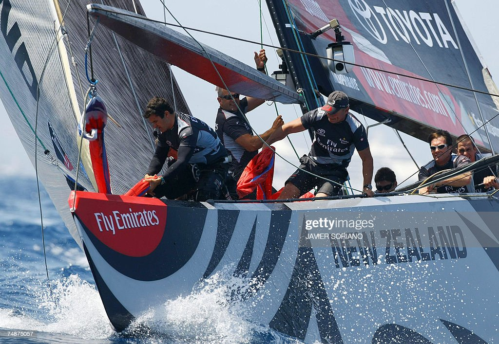 Emirates Team New Zealand sails on the second day of racing in the 32nd America's Cup in Valencia 24 June 2007 Swiss defender Alinghi scored a...