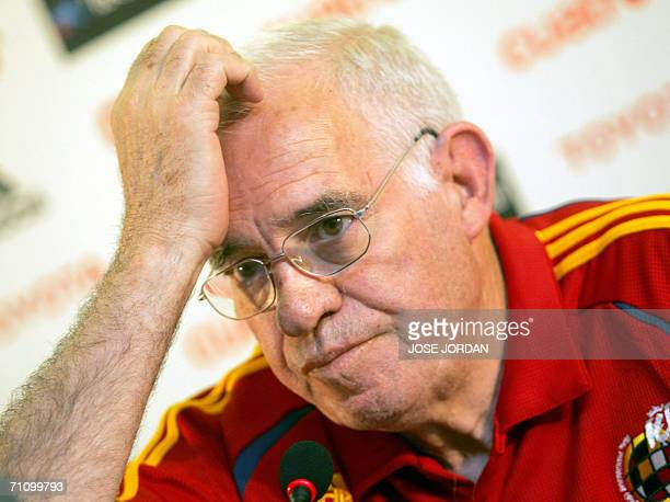 Spanish national football team coach Luis Aragones gestures during a press conference in Valencia 01 June 2006 Despite boasting arguably the world's...
