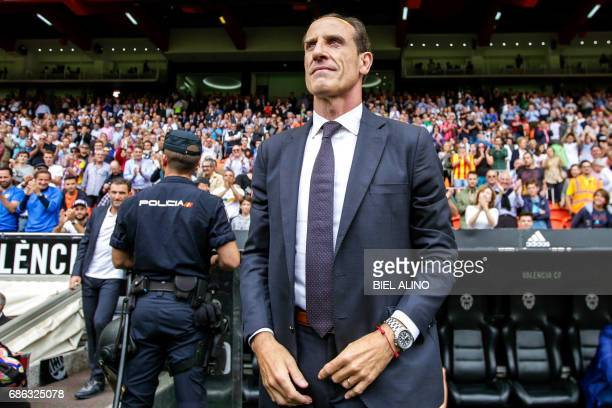Valencia's head coach Voro Gonzalez stands during the Spanish League football match Valencia CF vs Villarreal CF at the Mestalla stadium in Valencia...
