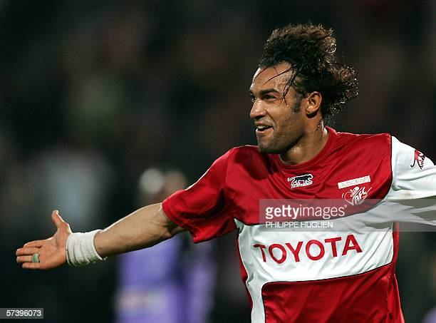Valenciennes forward Thomas Dossevi Jubilates after scoring a goal against Istres during the French L2 football match Valenciennes/Istres 21 April...