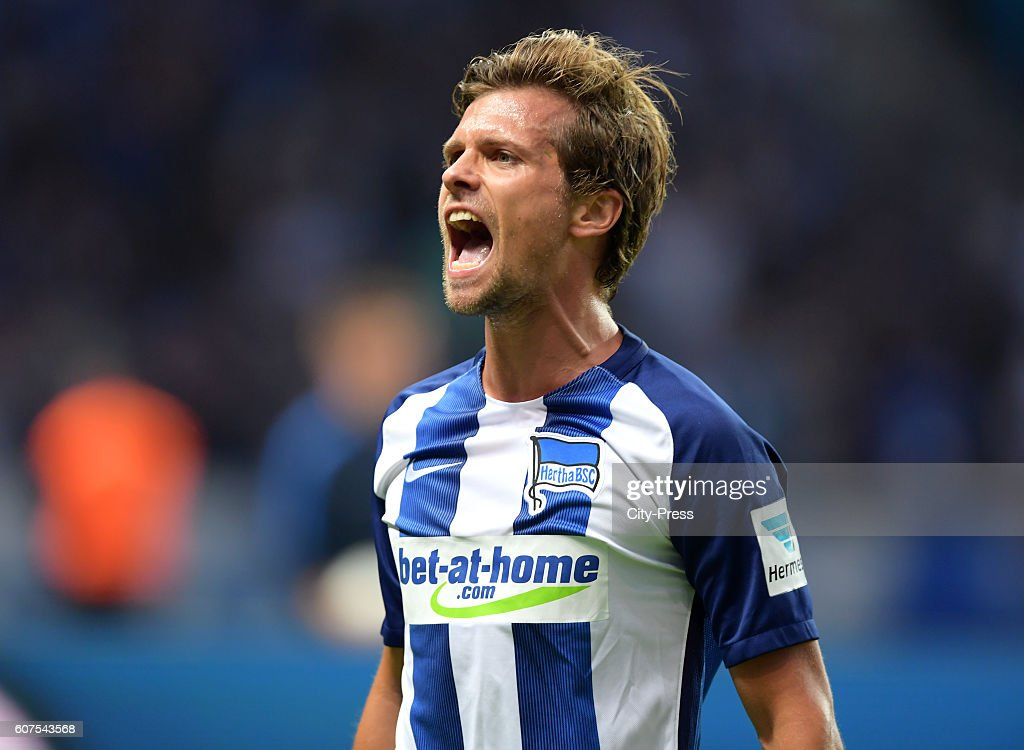 Valentin Stocker of Hertha BSC celebrates after scoring the 2:0 during the game between Hertha BSC and FC Schalke 04 on September 18, 2016 in Berlin, Germany.