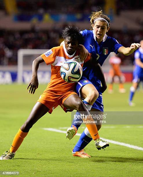 Valentina Bergamaschi of Italy battles with Lungu Bridget of Zambia during the FIFA U17 Women's World Cup Group A match between Italy and Zambia at...