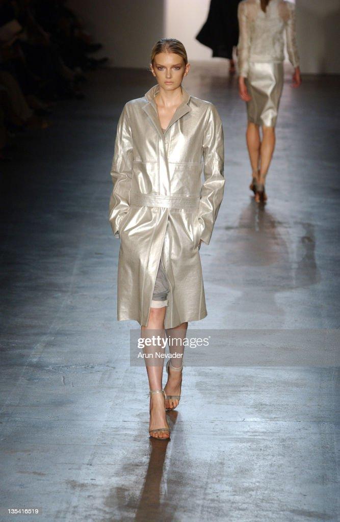 Valentina Zeliaeva wearing Calvin Klein Spring 2005
