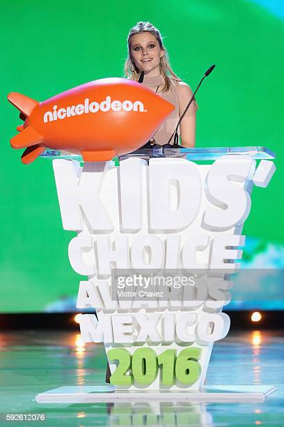 Valentina Zenere speaks on stage during the Nickelodeon Kids' Choice Awards Mexico 2016 at Auditorio Nacional on August 20 2016 in Mexico City Mexico