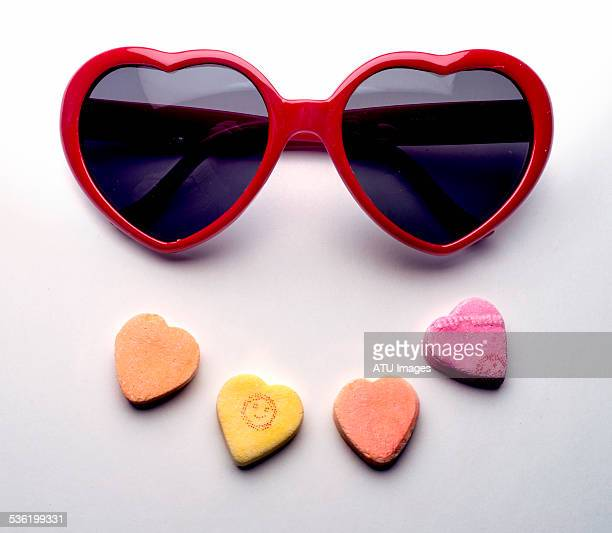 Valentine glasses and hearts