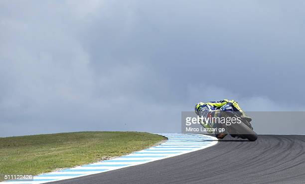 Valentino Rossi of Italy and Movistar Yamaha MotoGP rounds the bend during the 2016 MotoGP Test Day at Phillip Island Grand Prix Circuit on February...