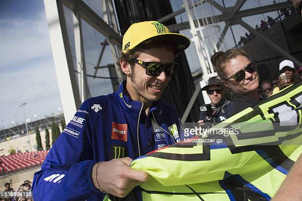 Valentino Rossi of Italy and Movistar Yamaha MotoGP signs autographs for fans during the MotoGp Red Bull US Grand Prix of The Americas Free Practice...