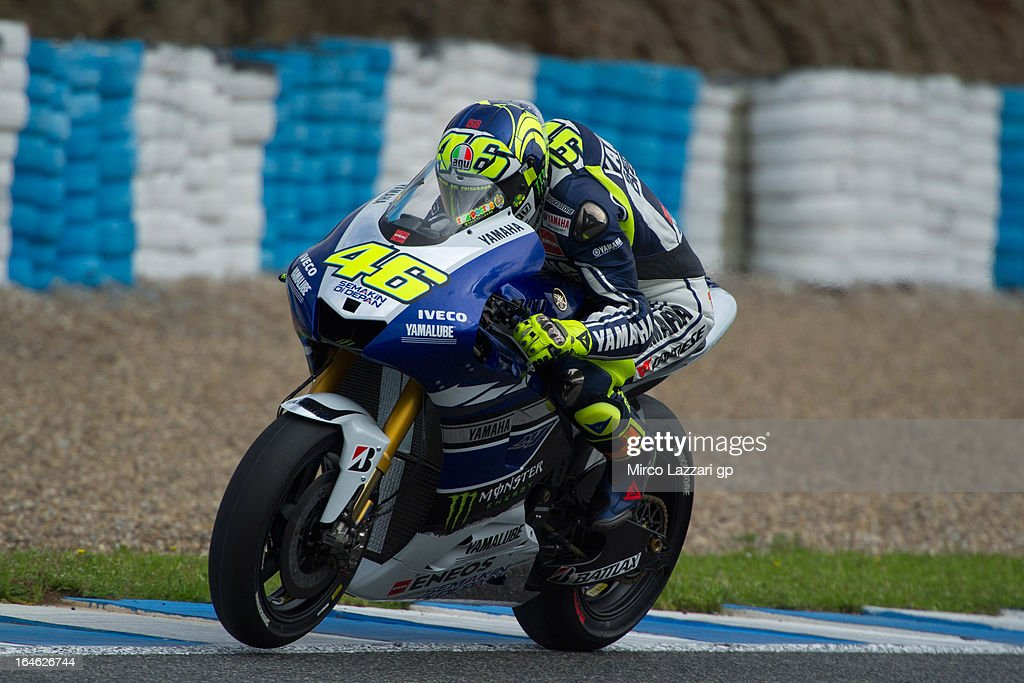 <a gi-track='captionPersonalityLinkClicked' href=/galleries/search?phrase=Valentino+Rossi&family=editorial&specificpeople=157603 ng-click='$event.stopPropagation()'>Valentino Rossi</a> of Italy and Yamaha Factory Racing heads down a straight during the MotoGP Tests In Jerez - Day 4 at Circuito de Jerez on March 25, 2013 in Jerez de la Frontera, Spain.