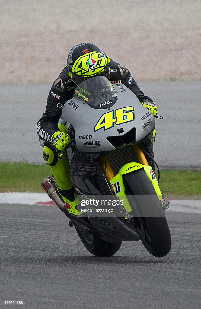 <a gi-track='captionPersonalityLinkClicked' href=/galleries/search?phrase=Valentino+Rossi&family=editorial&specificpeople=157603 ng-click='$event.stopPropagation()'>Valentino Rossi</a> of Italy and Yamaha Factory Racing lifts the front wheel during the MotoGP Tests in Sepang - Day Four at Sepang Circuit on February 6, 2013 in Kuala Lumpur, Malaysia.